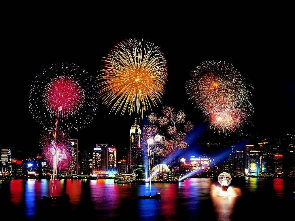 new-year-fireworks-hong-kongb.jpg